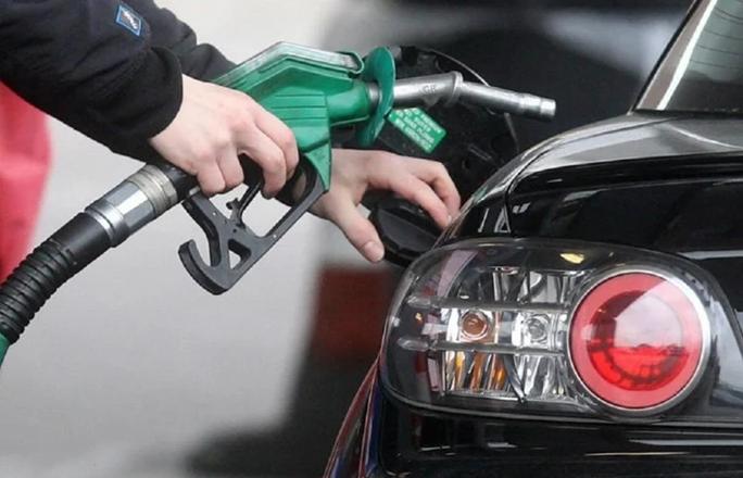 Photo of Petrol Diesel Price Today: लगातार तीसरे दिन पेट्रोल-डीजल में हुआ चढ़ाव, जानिये आज की कीमतें