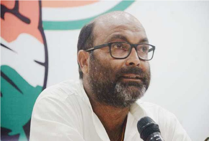 Photo of ब्लाक प्रमुख चुनाव के मतदान के दौरान हिंसा सत्ता प्रायोजित लोकतंत्र व संविधान की मूलभावना पर गहरा आघात-अजय कुमार लल्लू