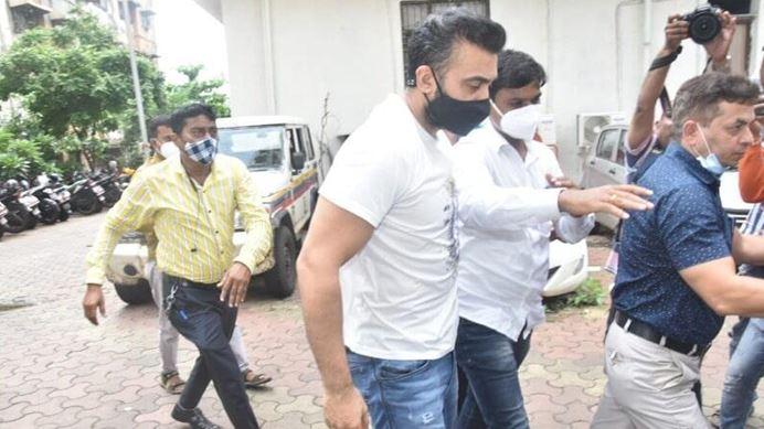 Photo of 23 जुलाई तक कस्टडी में रहेंगे राज कुंद्रा, शिल्पा शेट्टी से भी हो सकती है पूछताछ