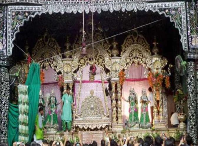 Photo of बांकेबिहारी मन्दिर में आज होगी मंगला आरती और मंगला दर्शन, जाने क्या होगी टाइमिंग