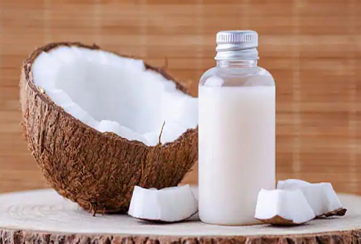 Photo of वर्ल्ड कोकोनट डे पर जानें नारियल तेल के खास राज, चेहरे को बनाएगा ग्लोइंग