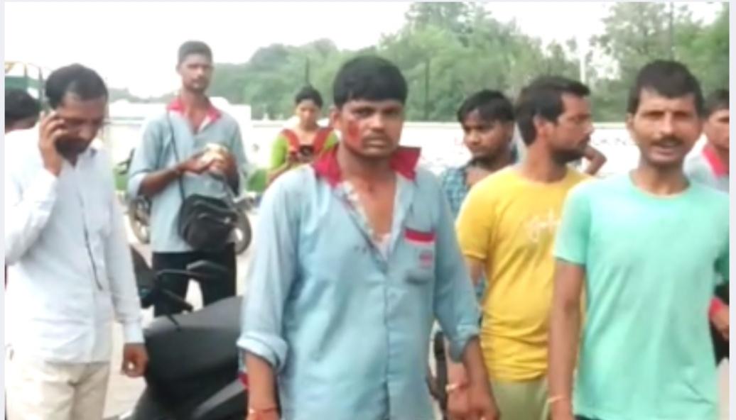 Photo of देरी से पेट्रोल भरने से नाराज दबंगों ने पेट्रोल पंप पर जमकर मचाया उत्पात,