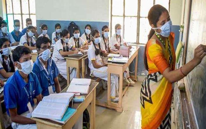 Photo of यूपी में एक अक्टूबर से बदलेगा स्कूलों का समय, आदेश जारी