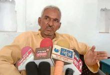 Photo of सुरेंद्र सिंह के फिर बिगड़े बोल, मंत्री की मौजूदगी में BSA को कहा-खुराफाती अधिकारी…
